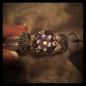 Jewelry - Lavender rope bracelet with flower snap-NEW!